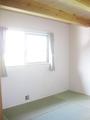 2階の主寝室はタタミ敷きに。
