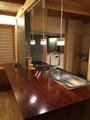 鳴子漆塗り仕上げのキッチン